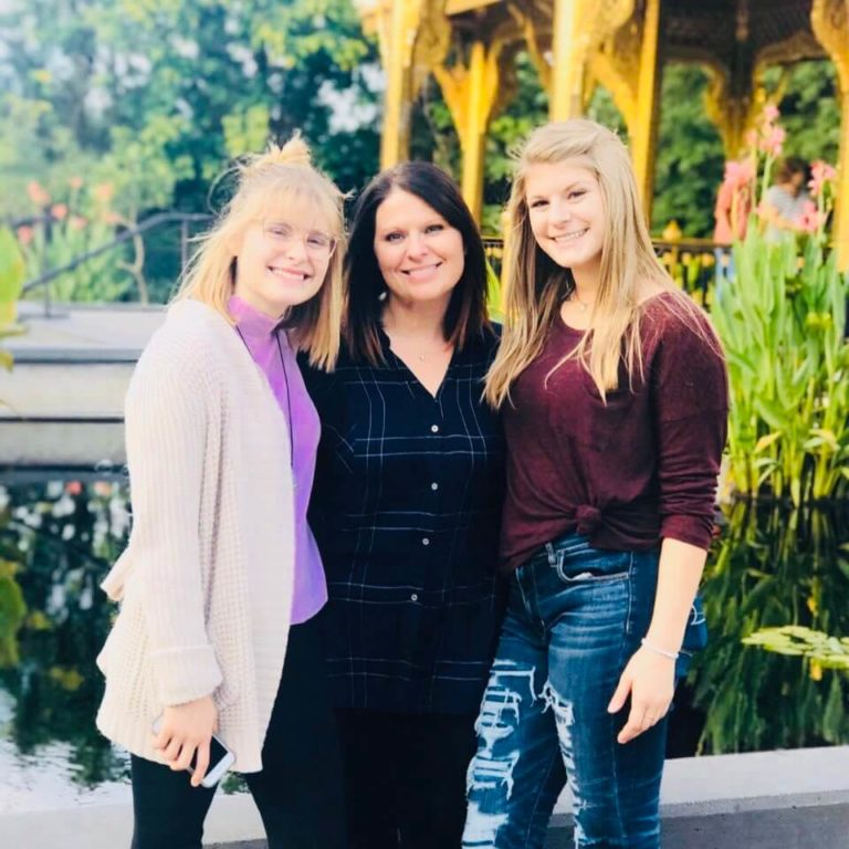 Heidi Van Kirk & daughters